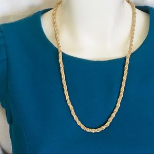 Jewelry - Two tone twisted chain necklace
